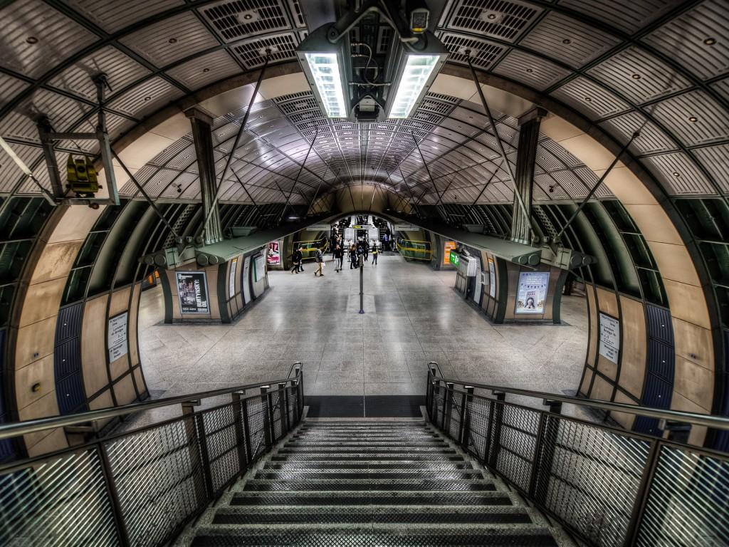 Станция на метрото в Лондон