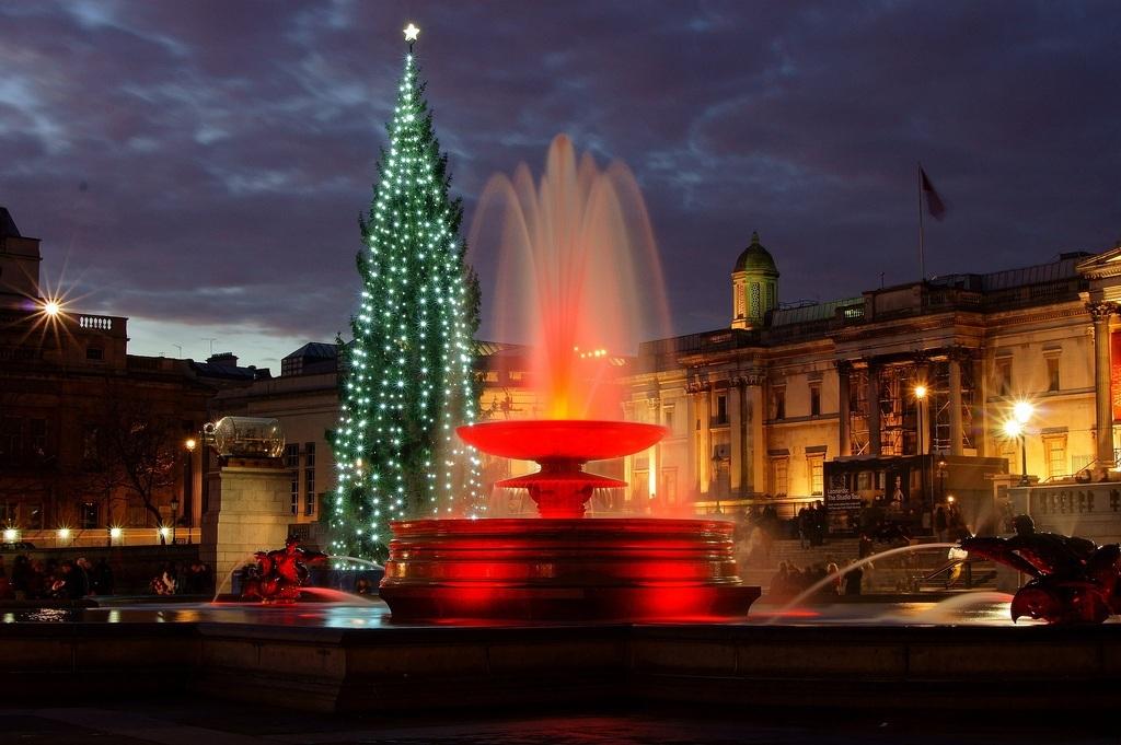 Kоледна елха на площад Трафалгър
