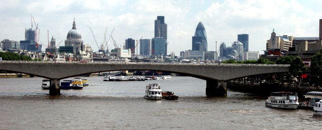 По река Темза