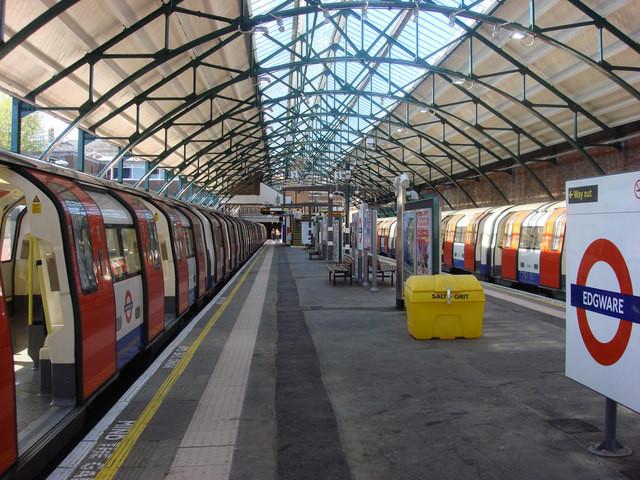 Tube - Лондонското метро