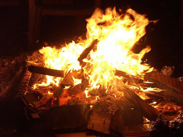 Нощта на огньовете